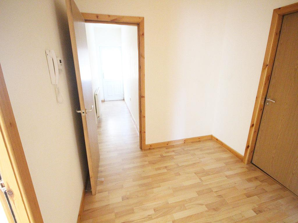 2 bedroom apartment To Let in Colne - IMG_3453.jpg